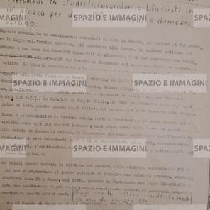 12 MAGGIO 1974: 19 MILIONI DI NO A FANFANI E ALLA DC (...). Volantino ciclostilato cm. 22x33 a cura del Collettivo Studenti Medi PDUP per il Comunismo. Contro la legge sull'ordine pubblico ( Almirante- Fanfani). S.l., s.d. ma maggio 1974.