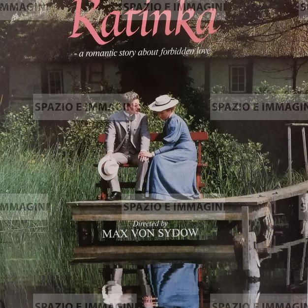 VED VEJEN/ VID VAGEN/ KATINKA A ROMANTIC STORY ABOUT FORBIDDEN LOVE, directed by Max Von sydow, ( SW-DK), 1988. Film brochure ( pp. ) cm. 22x31 ( closed) cm. 44x31( open).