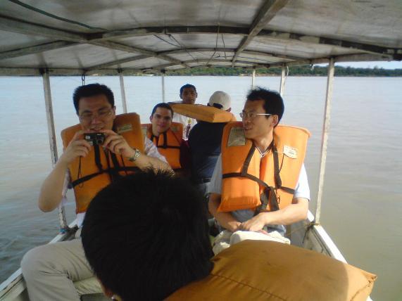 Passeio de barco Roraima 02