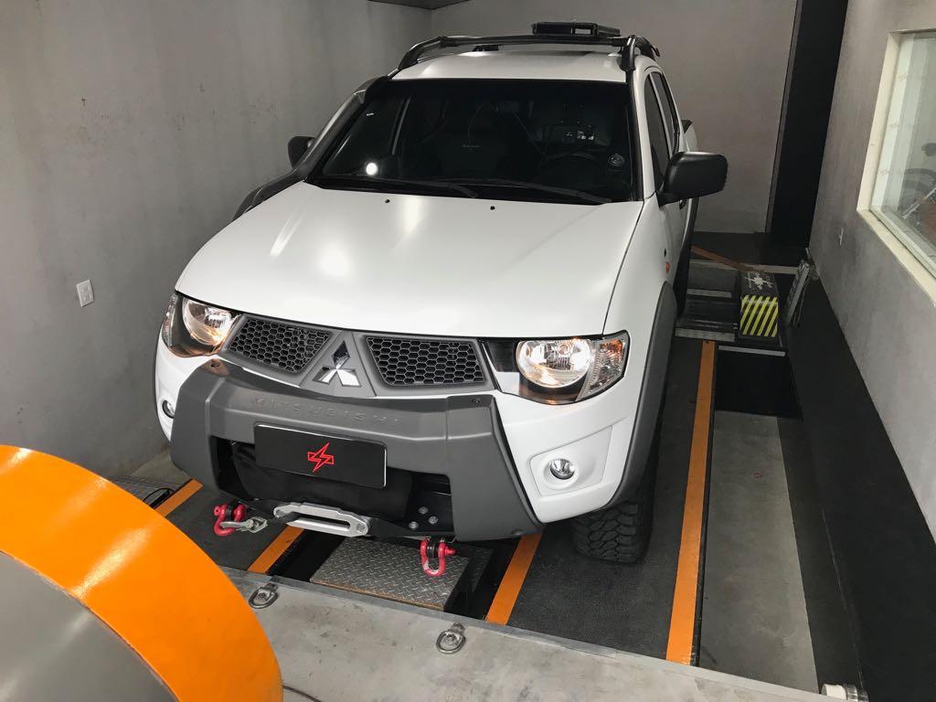 Mitsubishi L200 Triton Savana