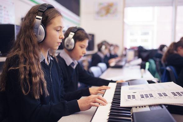 127  4thDec2020 - Trafalgar School - pho