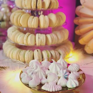 Macarons & Meringuen | Candy Bar