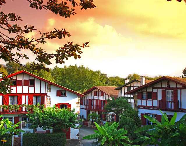 Maisons typiques Pays basque.jpg