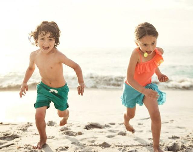 Enfant à la plage.jpg