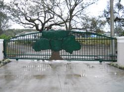 Green Aluminum Custom 3D Oak Tree