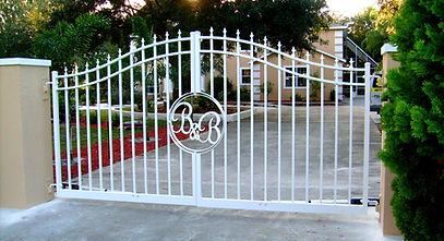B&B gate 017.jpg