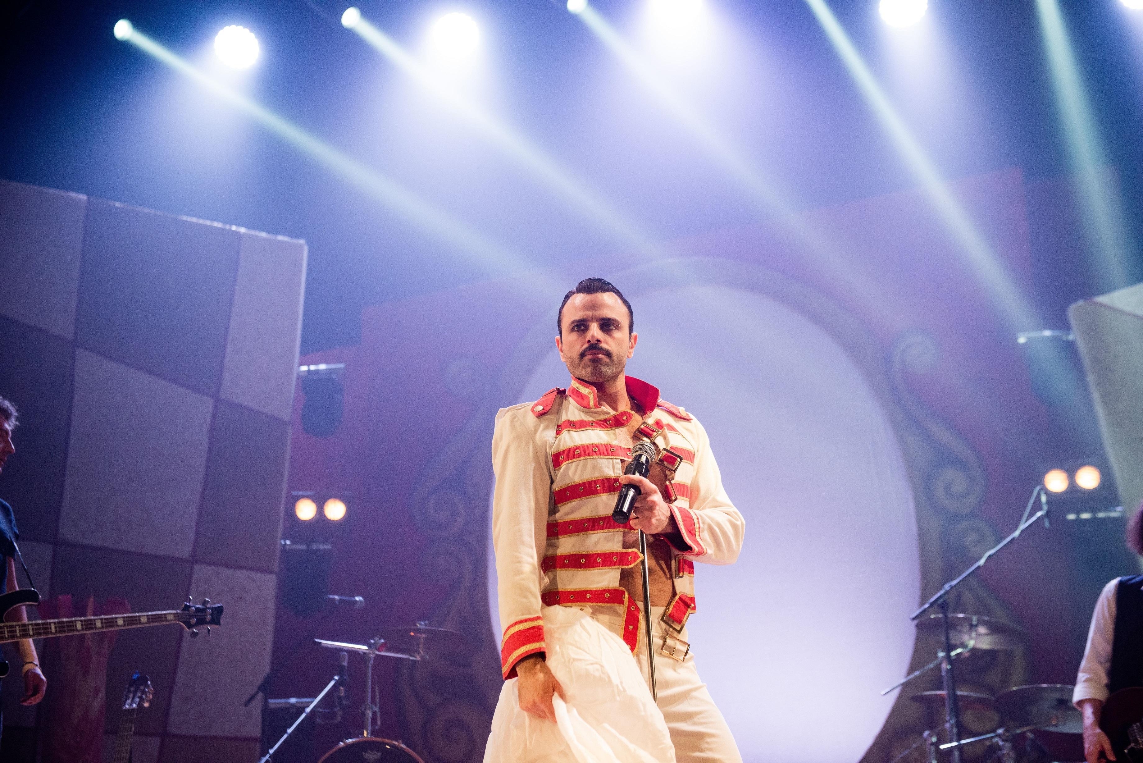 Queen-Rhapsody-309-2-min