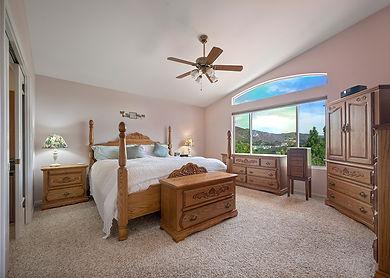bedroom mtn 3.jpg