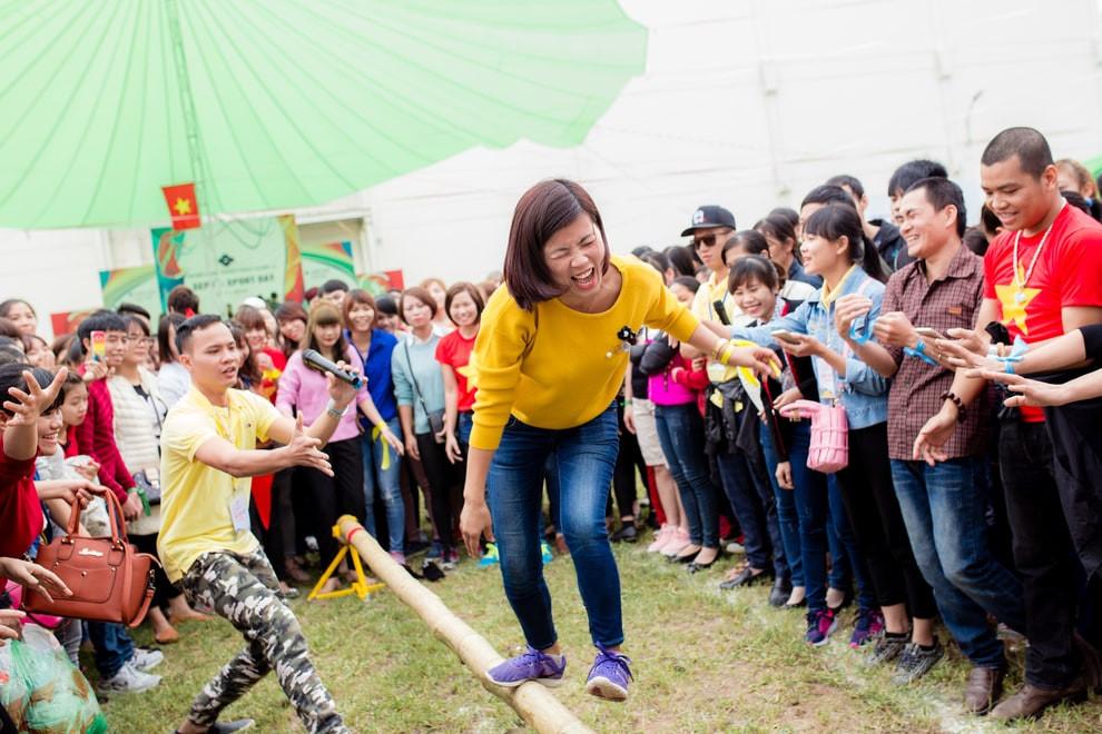 Hoạt động team building trong ngày hội thể thao của Sumitomo - công ty tổ chức sự kiện Rồng Việt