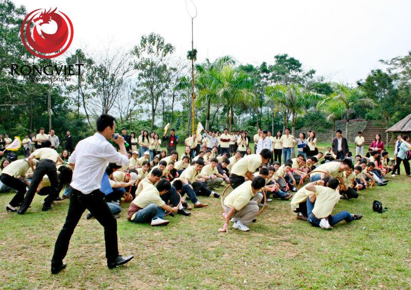 Hoạt động team building thu hút sự tham gia của 700 cán bộ - nhân viên - công ty sự kiện Rồng Việt