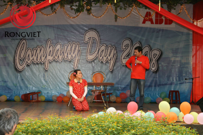 Cặp đôi nghệ sĩ hài Vân Dung - Quang Thắng - công ty sự kiện Rồng Việt