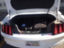 Plads til kufferter i Mustang, Roadtrip ruter og nationalparker i USA