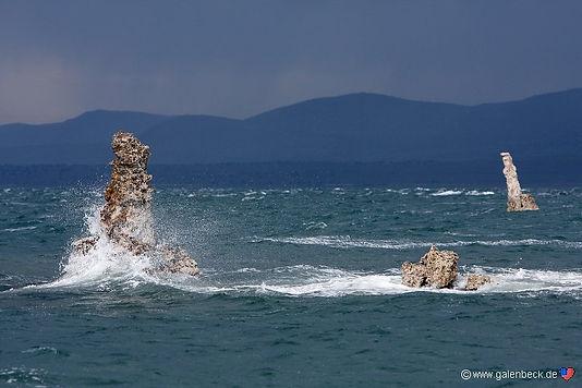 Mange eftermiddage blæser det voldsomt op i Mono Lake.