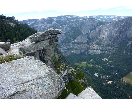 På toppen af Glacier Point. Roadtrip ruter og nationalparker i USA