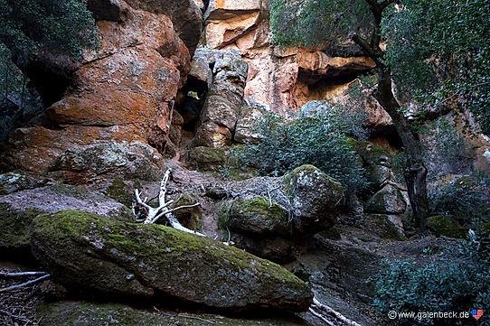 Pinnacles har mange klippehuler.