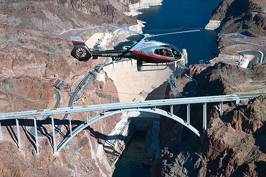 Helicopter over Grand Canyon. www.drivingusa.dk