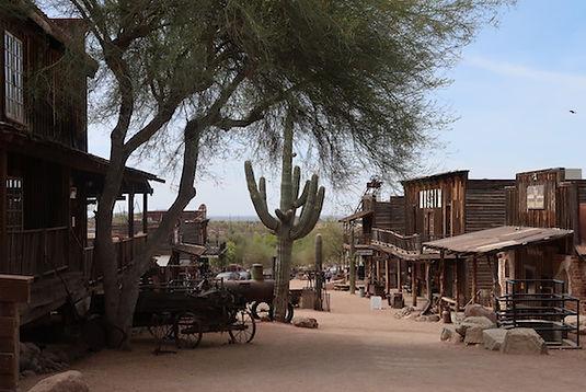 Goldfield, Som at være midt i et filmset, til en western.