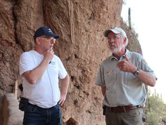 Forfatter og USA-guide Michael Bo Christensen og NPS.