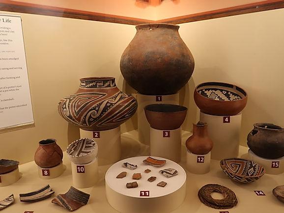 Stammens kvinder lavede lertøj, af høj kvalitet.