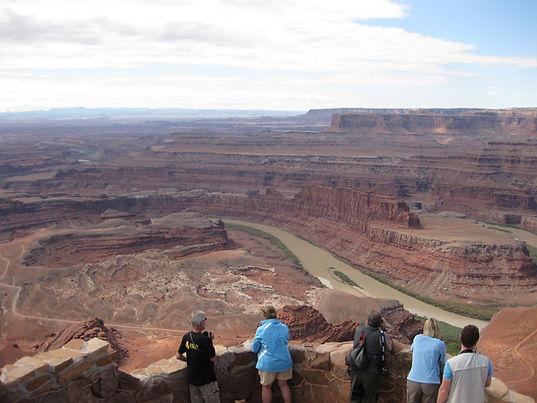 Dead Horse Point i Canyonlands. Roadtrip ruter og nationalparker i USA