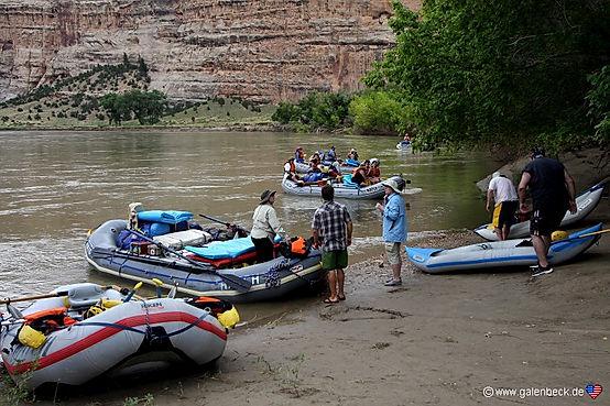 """Riverrafting på Green River. Prøv f.eks """"Hells Half Mile"""" ."""