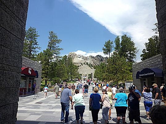 Der er rigtig mange turister i Mt Rushmore