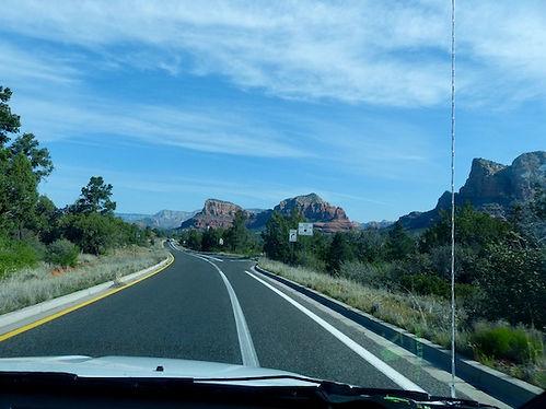Masser af canyons over hele Sedona området.