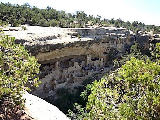 Indianerruin i Mesa Verde. www.drivingusa.dk