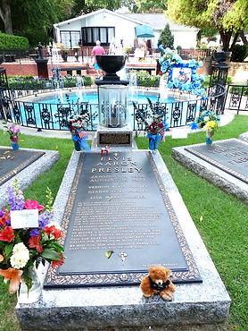 Elvis' gravsted i Memphis. Roadtrip ruter og nationalparker i USA