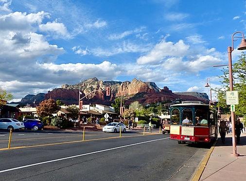 Sedonas smukke canyons kan ses fra hele byen.