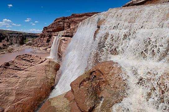 Vandfald i Navajo reservatet.jpeg