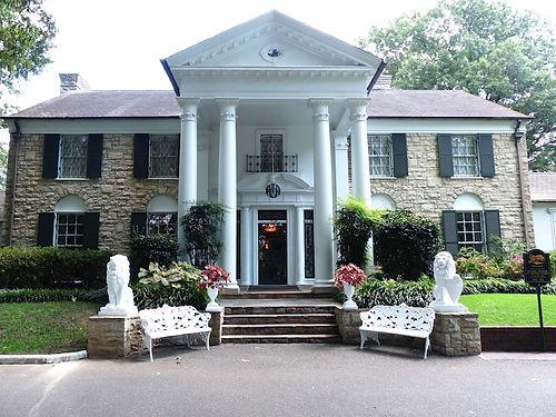 Graceland. Elvis Presley's hjem i Memphis. Roadtrip ruter og nationalparker i USA