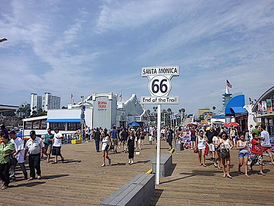 Route 66 slutter på Venice Beach i Los Angeles.