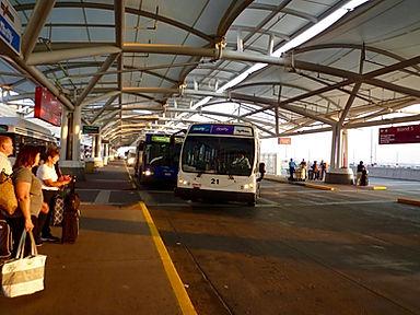 Lufthavnbus biludlejning USA. Roadtrip ruter og nationalparker i USA