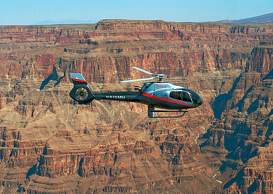 Helikopter tur over Grand Canyon. www.drivingusa.dk