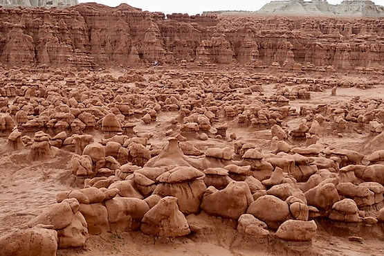 Drivingusa i Goblin Valley.jpeg