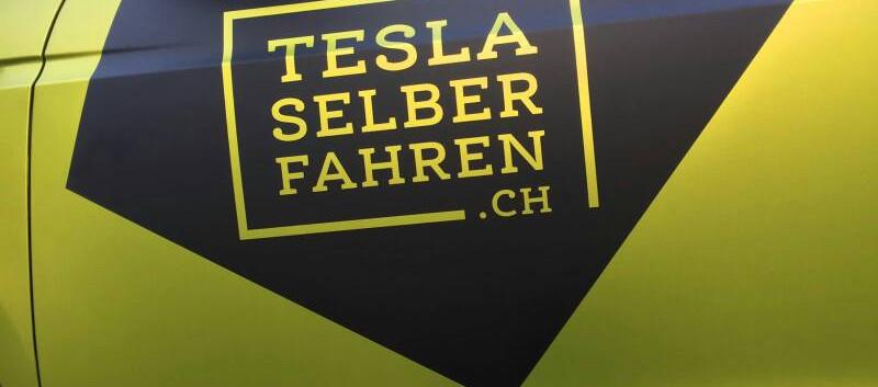 Tesla Beschriftung.jpg