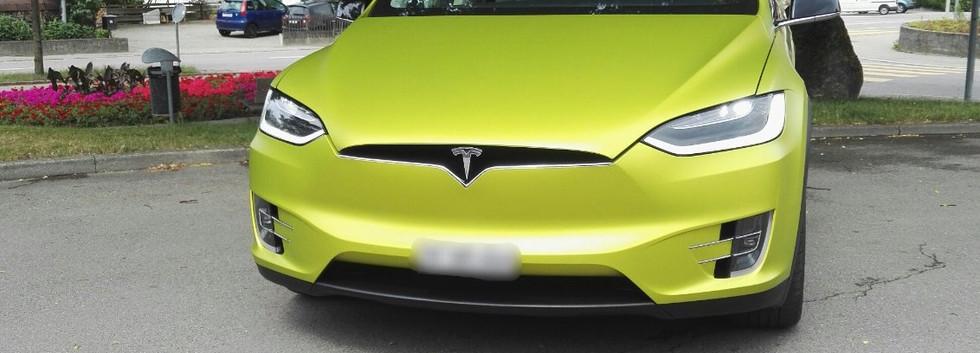 Tesla Vollfolierung.jpg