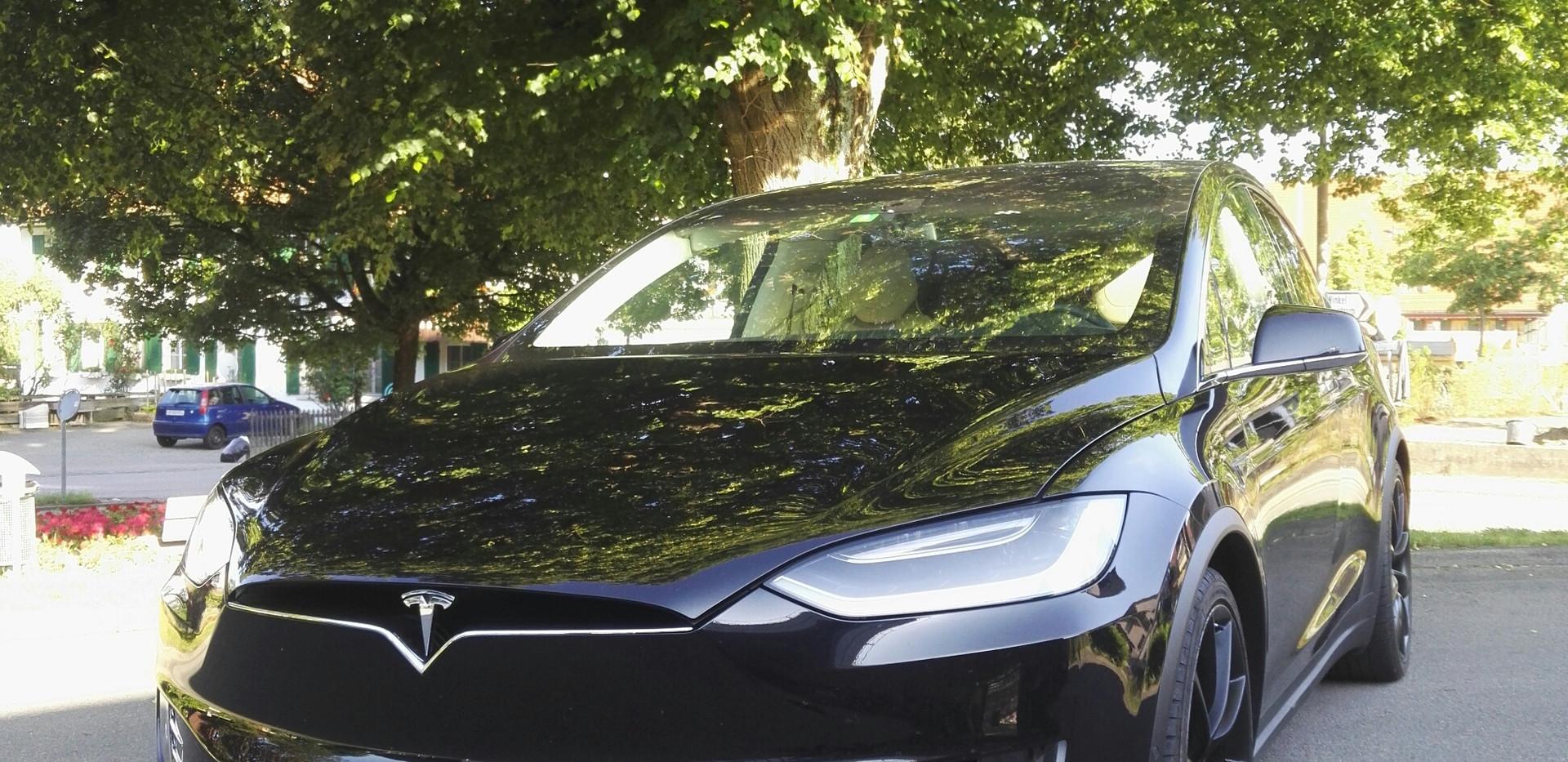 Tesla unfoliert.jpg
