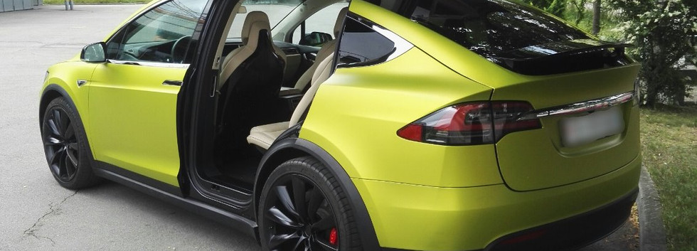 Vollfolierung Tesla.jpg
