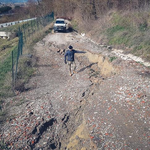 Rilievo di danno a careggiata stradale