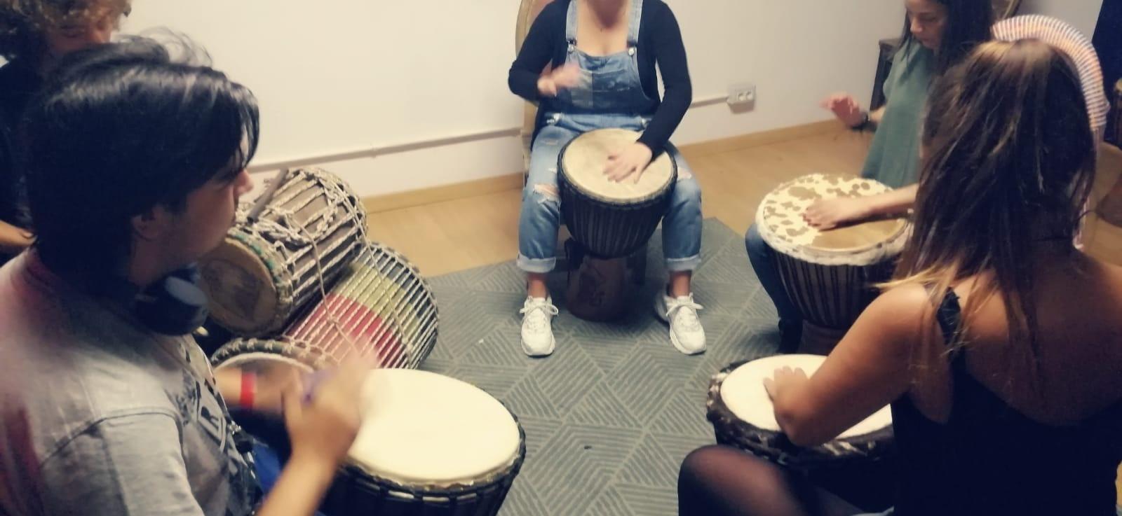 Clases de percusión africana