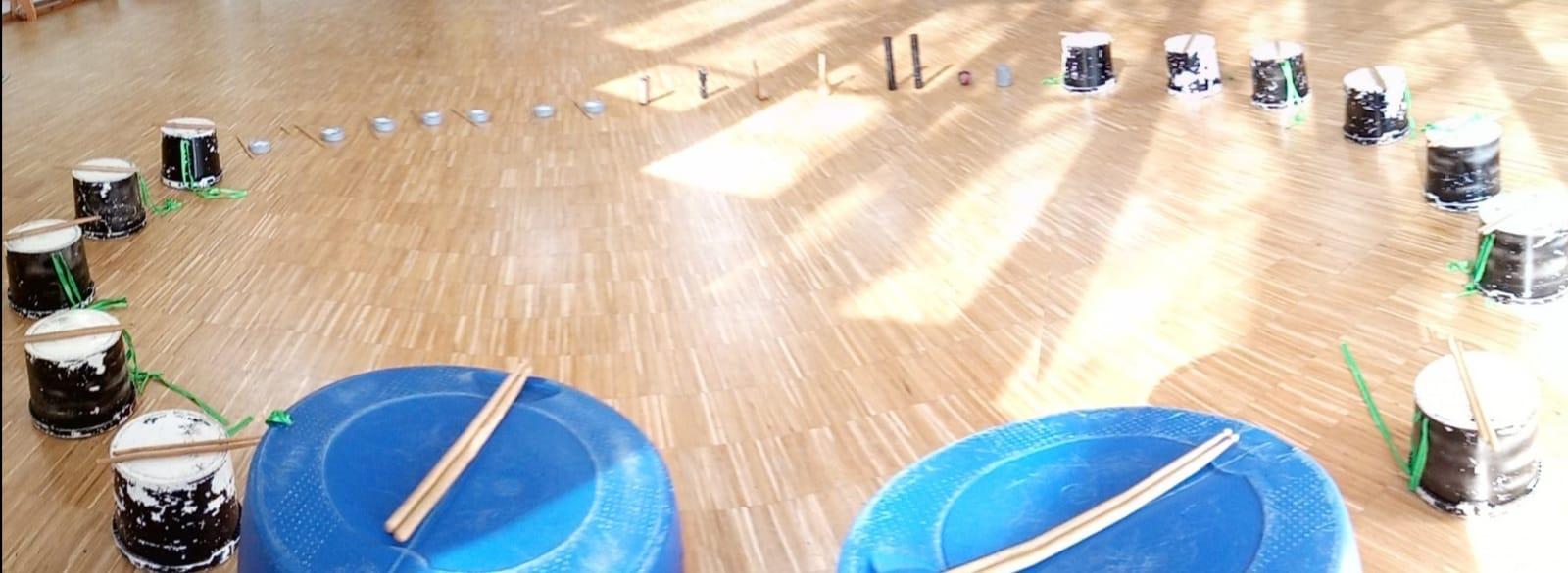 Taller de percussió amb instruments reciclats Tocart Percusión