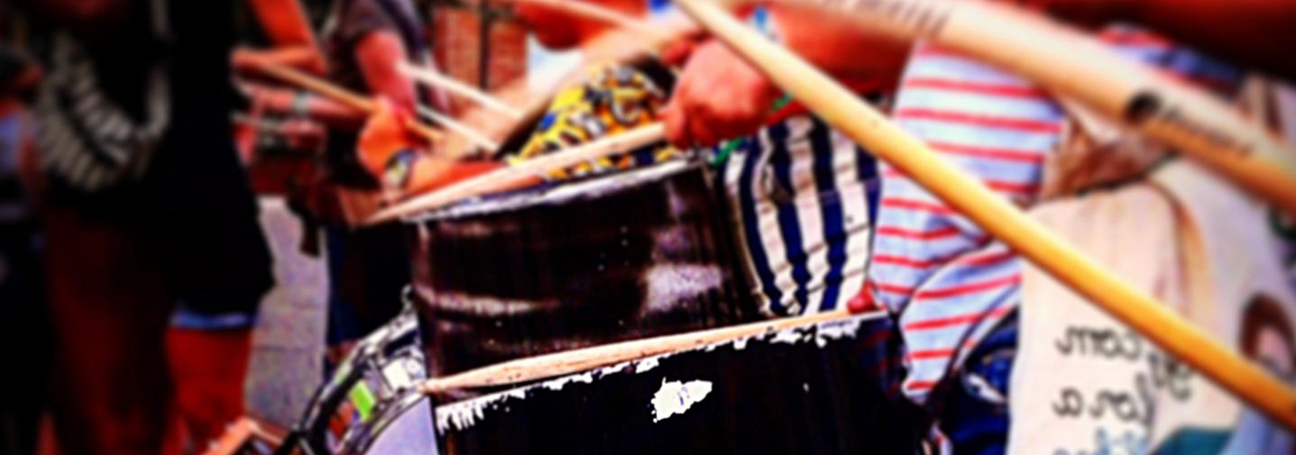 Clases de percusión con instrumentos reciclados