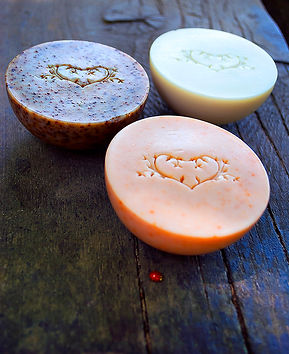 Love2Smile Cosmetics natúr szappanok