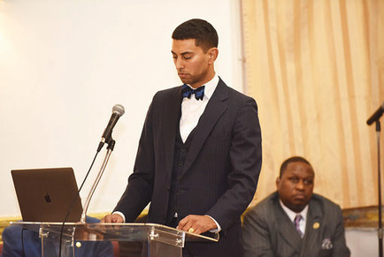 Brother Farrakhan beginning the presentation