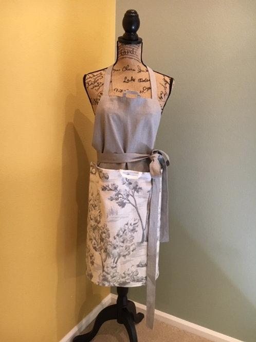 Linen apron with detachable panel