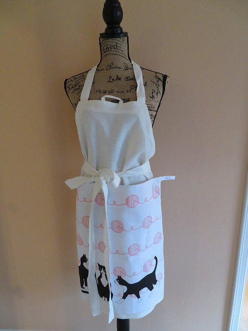 White linen apron with detachable towel wih black cats and pink balls of yarn