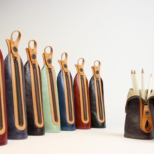 Pen case converts into pen stand