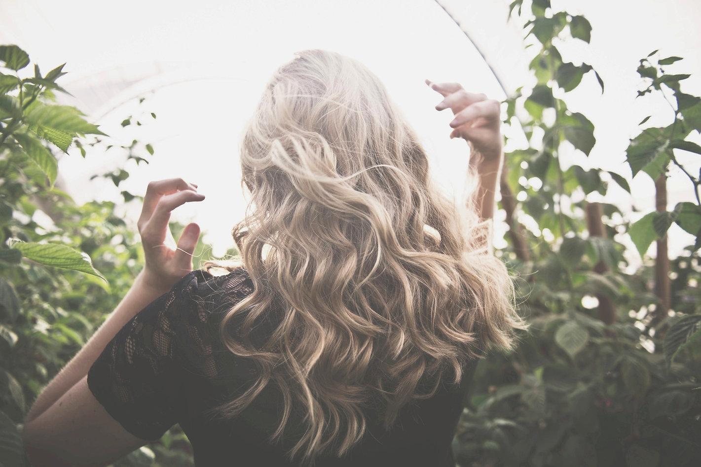 Blond%252520Wavy%252520Hair_edited_edite